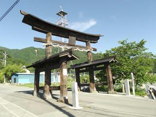 150530_0730_武田八幡神社・二の鳥居(山梨県韮崎市)