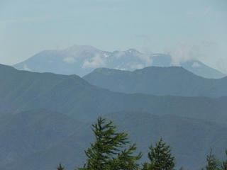 150725_0942_守屋山・西峰から望む御嶽山(諏訪市)