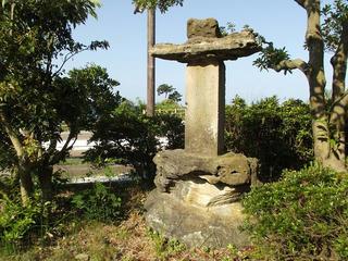 150816_1609_雨晴海岸・万葉歌碑(富山県高岡市)