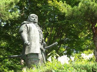140720_0954_春日山城跡・上杉謙信銅像(新潟県上越市)