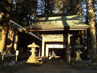160211_0729_諏訪大社上社本宮・入口御門(諏訪市)