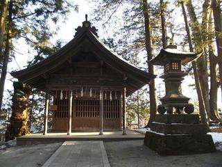 160211_0726_諏訪大社上社本宮・神馬舎(諏訪市)