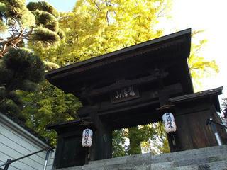161105_0829_佛法招隆寺のイチョウ(諏訪市)