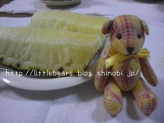 パイナップルとテディベア