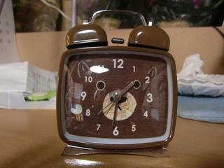 くまのめざまし時計