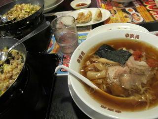 私はノーマル中華そばにお酢をたっぷり入れて食べるのが好きです。