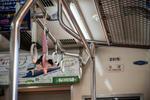 西武鉄道 ハートの吊革