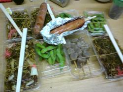 日当=ヤキソバ+枝豆+フランクフルト+こんにゃく