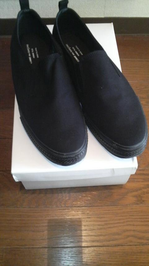 ギャルソンの靴はサイズが1cm刻みらしいのです。 また、ギャルソンの靴は表記サイズよりも1cmほど大きい気がします。