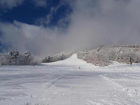 いいづなリゾートスキー場上部サミットコース