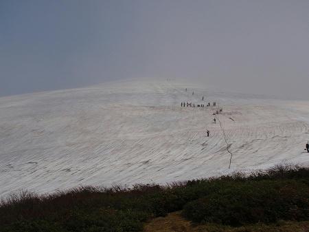 月山スキー場上部のTバーリフト