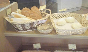 猪苗代ミネロスキー場の焼きたてのパン