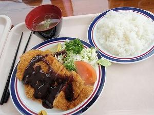 水上宝台樹スキー場のゲレ食(味噌カツ定食)
