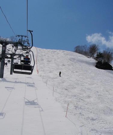 奥只見丸山スキー場 カモシカEコースの急斜面