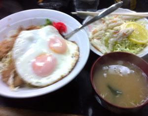 東長崎のせきざわ食堂・生姜焼き目玉丼