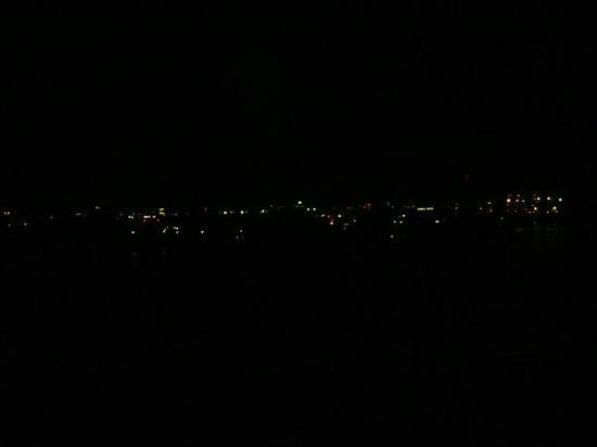 夜の苫小牧港
