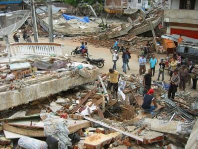 北スマトラ州のニアス島で05年3月に起こった地震の被災地