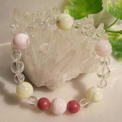 ピンクカルサイト&マザーオブパール・ロードナイト・水晶ブレスレット