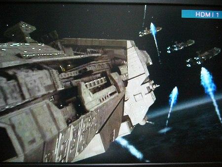 バグの母星からプラズマ砲の攻撃!