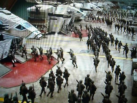 歩兵部隊、地上に降下準備!