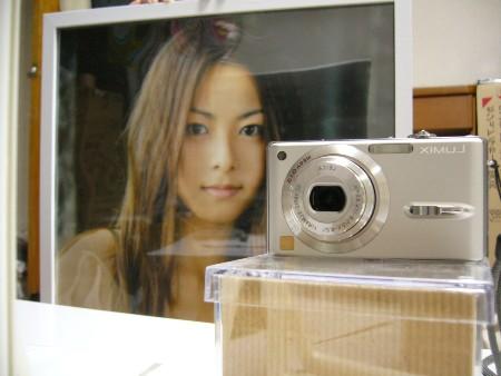 ポスターの愛機DMC-FX9