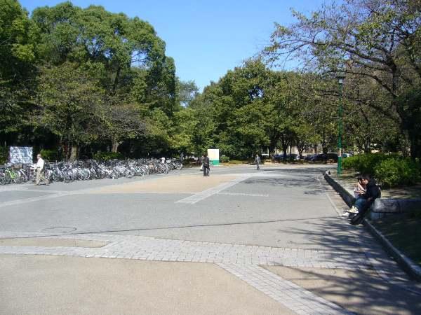 鶴舞公園内!