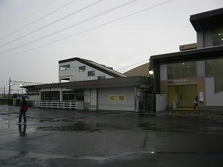 <br />[西武立川駅写真]