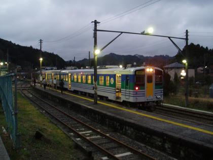 上総亀山駅風景