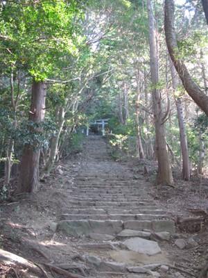 鳥居への階段
