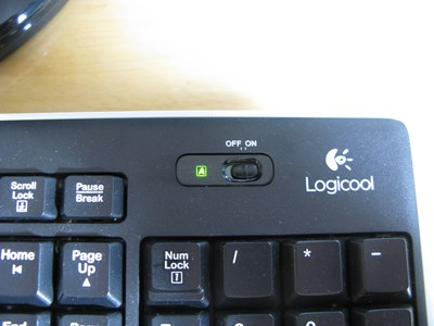 Logicool K270の電源スイッチとCapsLockランプ