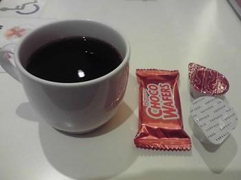 ホットコーヒーとお菓子