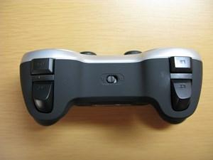 Logicool F710 Wireless Gamepad 側面ボタン配置