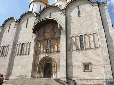 ウスベンスキー大聖堂の入口