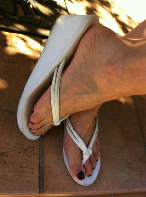 sandal_white.jpg