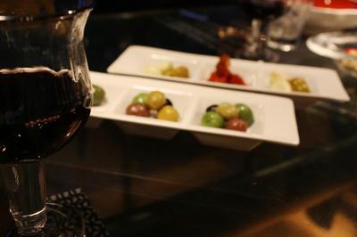 olive_wine.jpg