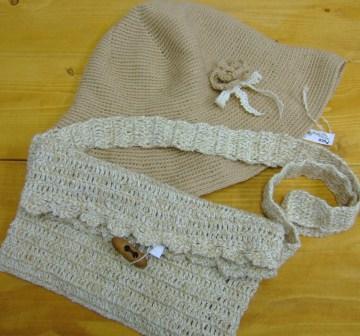 ニット帽子&斜めがけバッグ