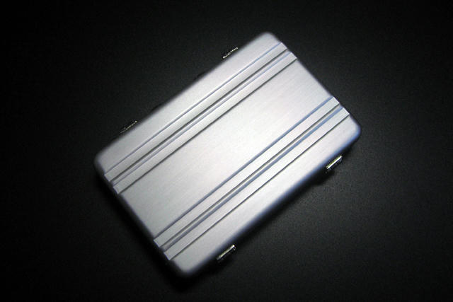 アルミアタッシュカードケース1