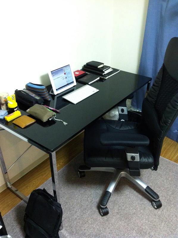 机と椅子が来ました2