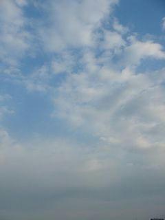 3月27日朝7時ごろの空02