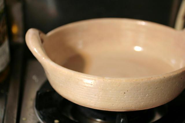 直火OKの陶器の鍋