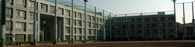 鉄筋コンクリートの校舎