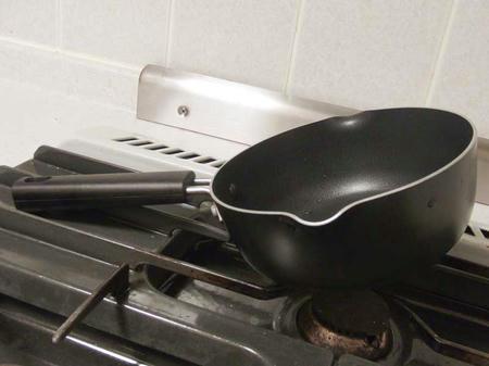 自立しない鍋