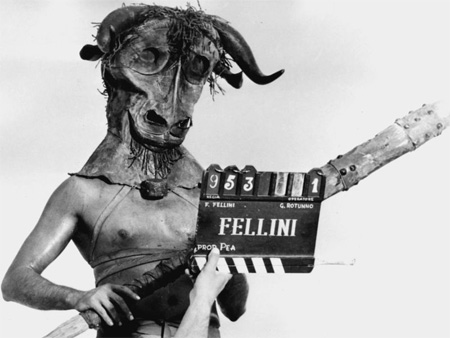 http://file.satyricon.ni-moe.com/Fellini-Satyricon2.jpg