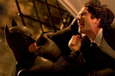 http://file.satyricon.ni-moe.com/Batman-Begins2.jpg