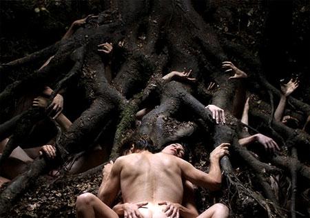 http://file.satyricon.ni-moe.com/Antichrist1.jpg