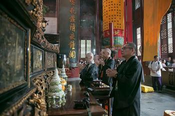 杭州の古刹・霊隠寺を参拝