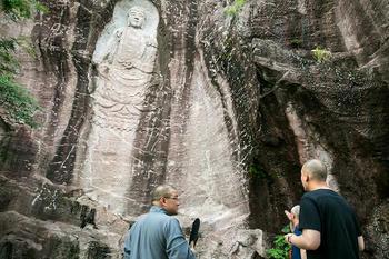 龍光寺の磨崖仏
