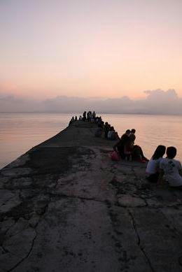 西桟橋で夕陽を見よう