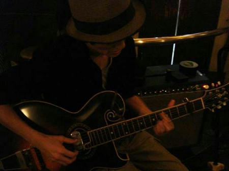 おおはたギターを弾いてしまった!