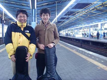 本厚木駅にて。